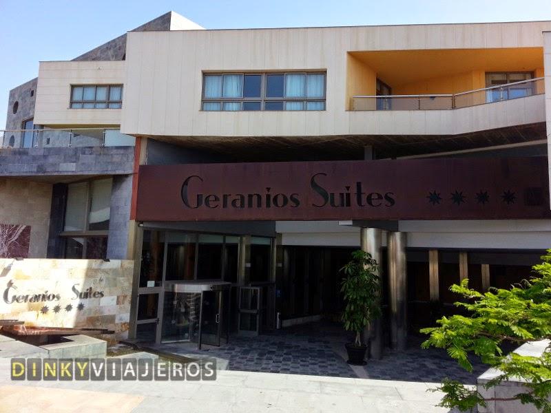 Hotel Geranios Suites and Spa 4* (Fuerteventura). Entrada