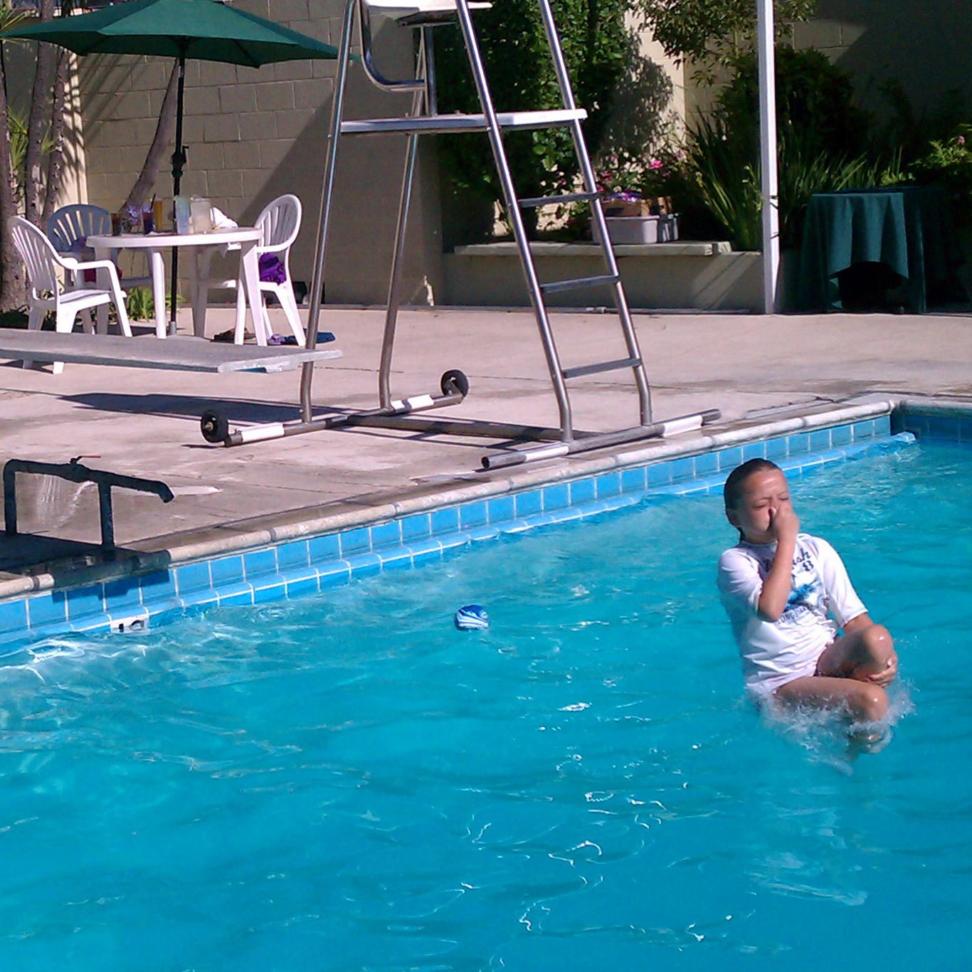 http://4.bp.blogspot.com/-mgdZistLZKM/TglZ7LSPn3I/AAAAAAAACYA/wlbw3bXQ-5o/s1600/swim2.jpg