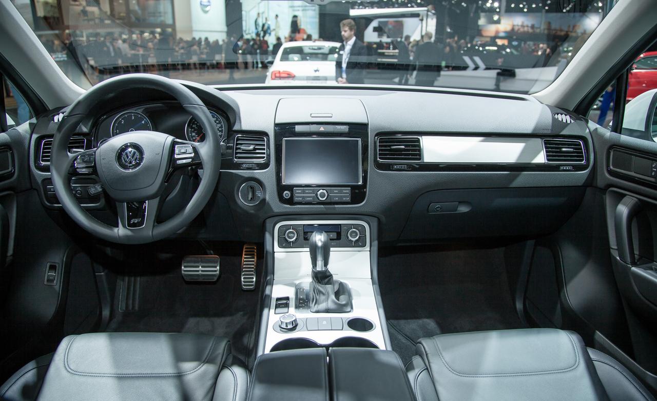 novo  Volkswagen Touareg 2014 interior
