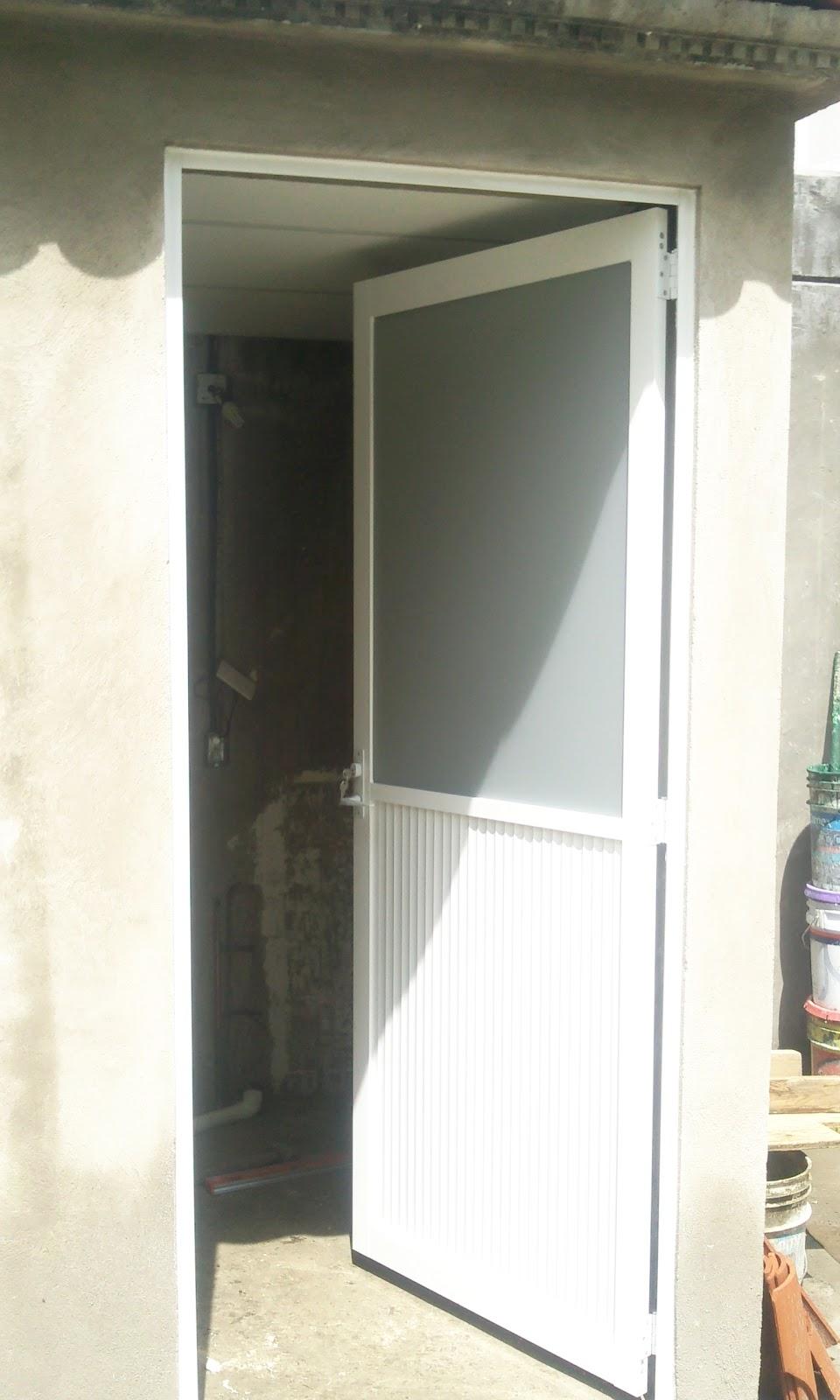 Puertas De Baño Templadas:Puerta de aluminio blanco con bisagras de libro mitad duela y mitad