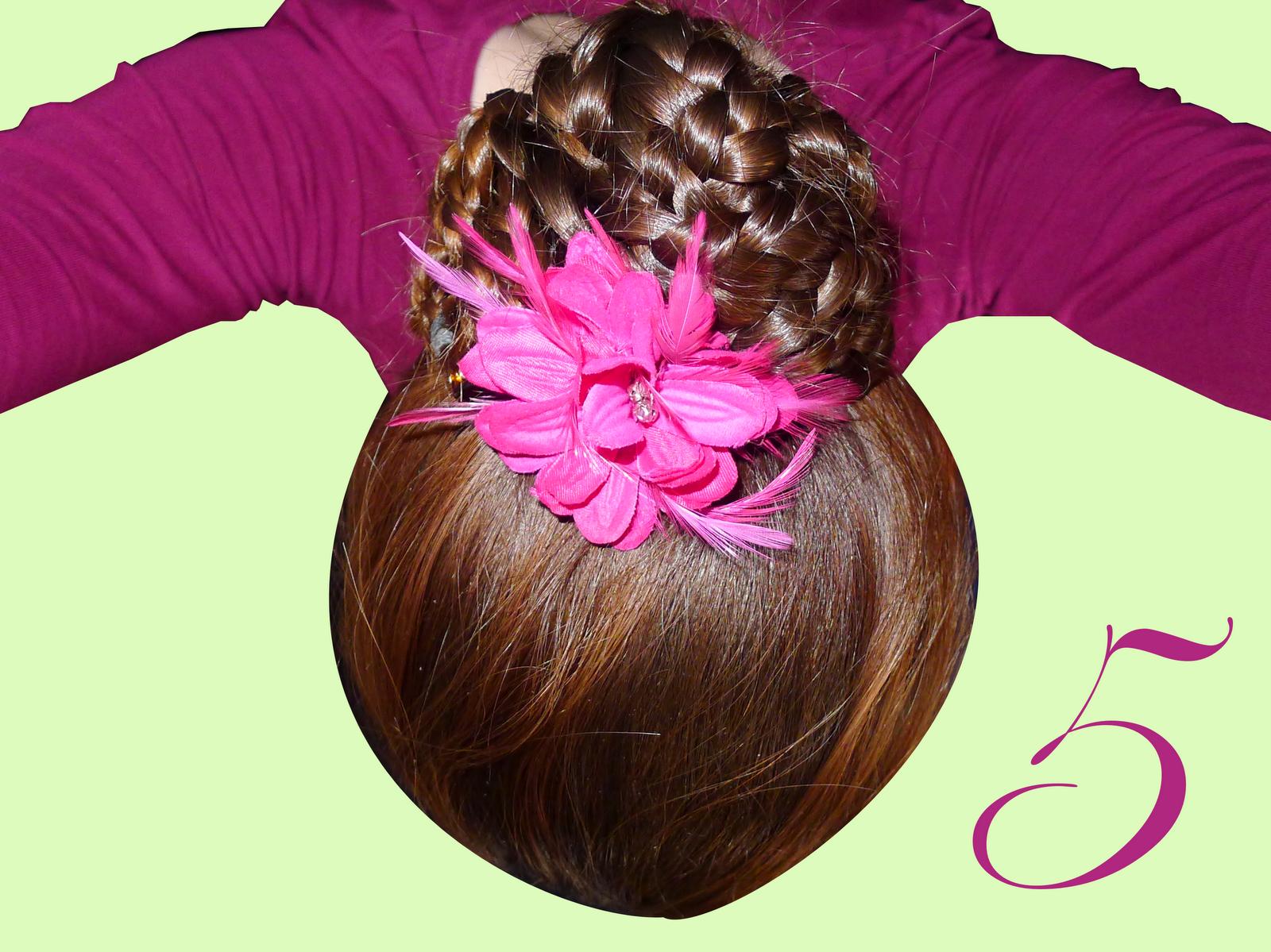 365coiffures chignon boule de nattes for Jolies fleurs artificielles