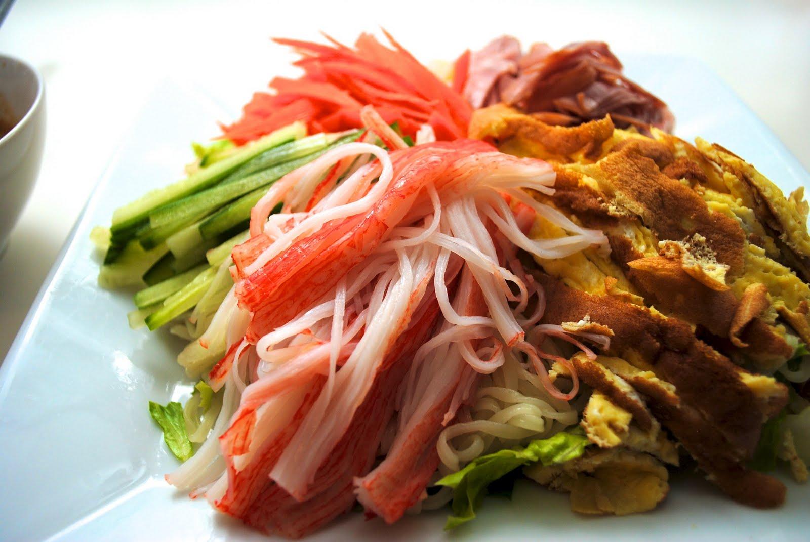 My Culinary Escape: Hiyashi Chuka- Japanese Cold Noodles