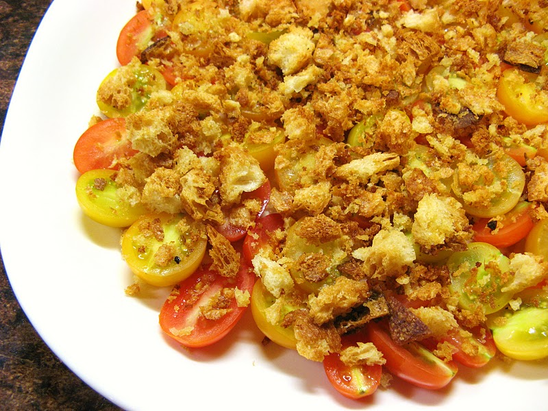 The Well-Fed Newlyweds: Tomato Salad with Crushed Croutons