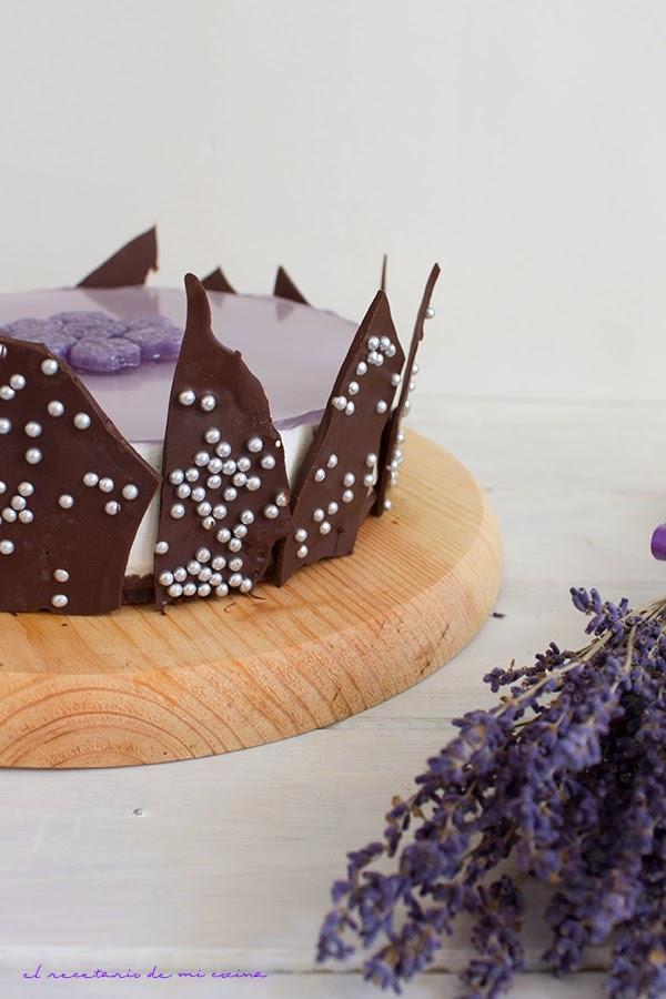 tarta de mousse de violetas