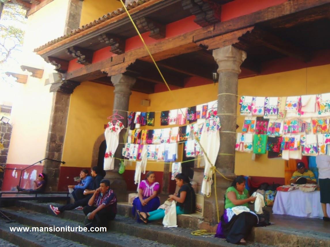 Women weavers at the Huatapera in Uruapan