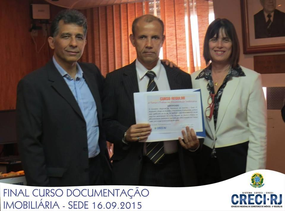 ENTREGA DE CERTIFICADO DO CURSO DE DESPACHANTE DOCUMENTALISTA IMOBILIÁRIO CRECI/RJ.