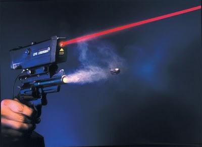 Peluru Pistol Dalam Gerak Lambat
