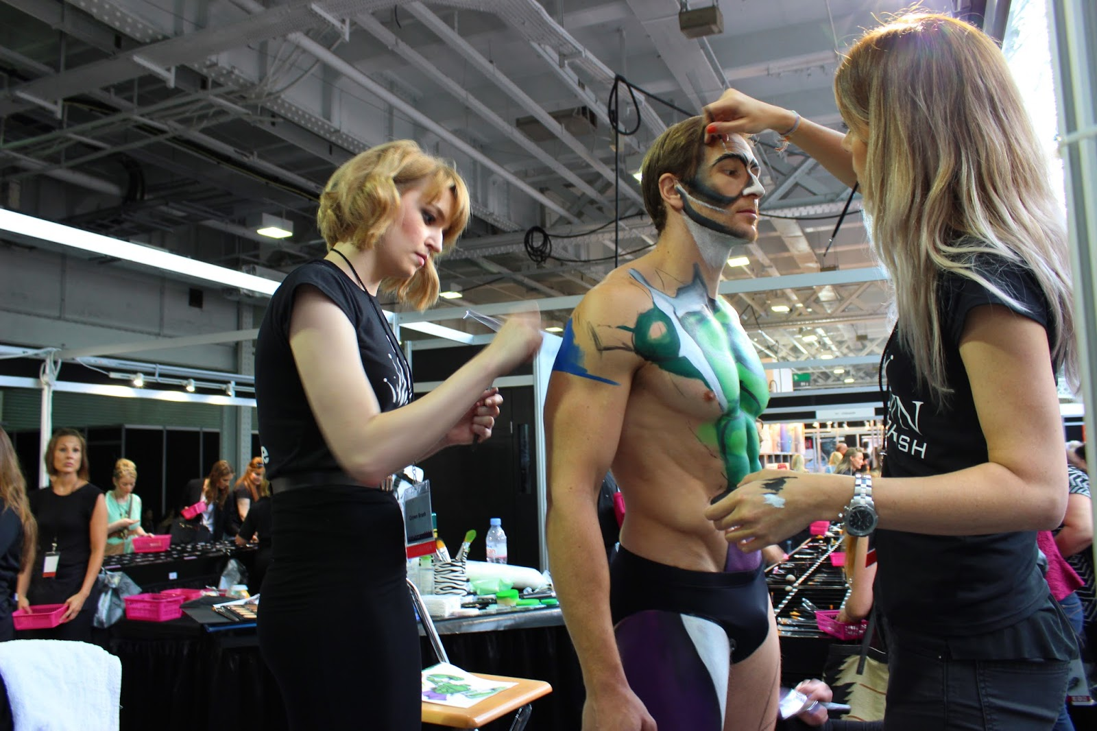 IMATS london 2014 Zoe Newlove Marvel body painting