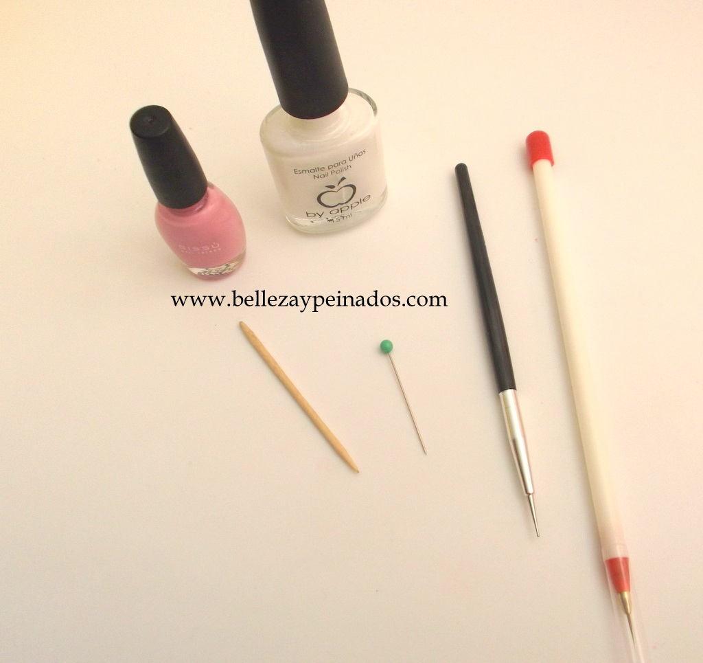 Como decorar las u as con rosas belleza y peinados for Como decorar unas