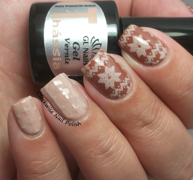 The Clockwise Nail Polish Gl Nails Thássia Mellina Gel Review Christmas Sweater Art