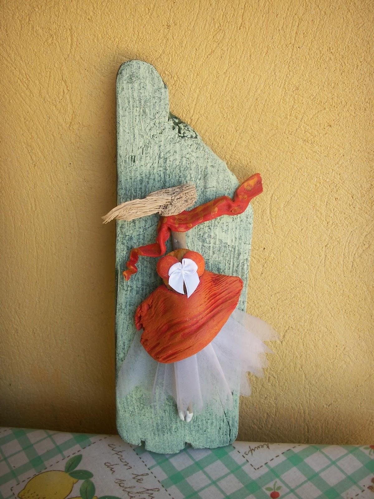 Peinture et bois flott petits personnages for Peinture sur bois flotte