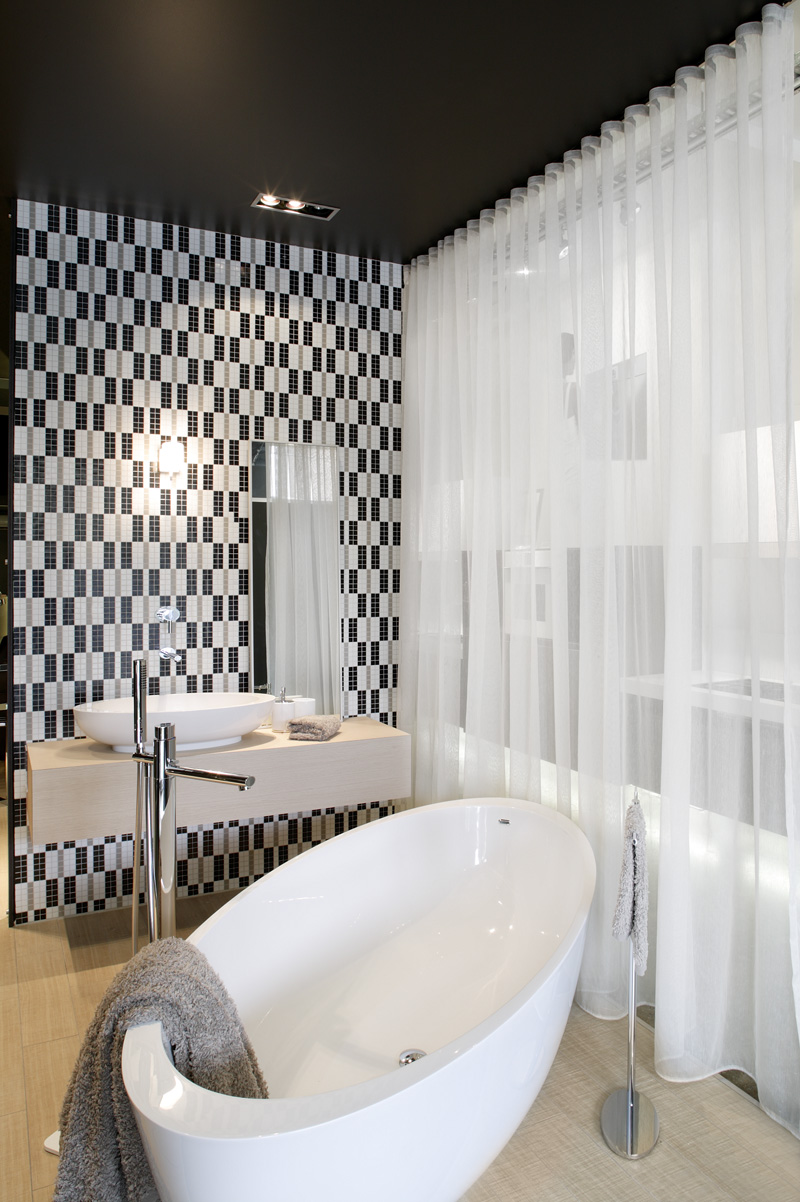 Minosa: Bathroom Feature walls with Bisazza, Gessi & Minosa
