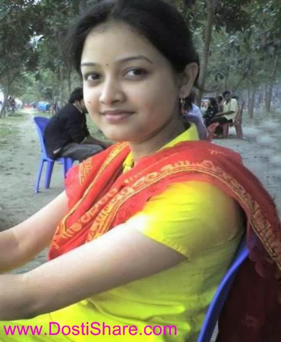 http://www.dostishare.com/2013/10/indian-cute-college-girl-anjali-sharma.html
