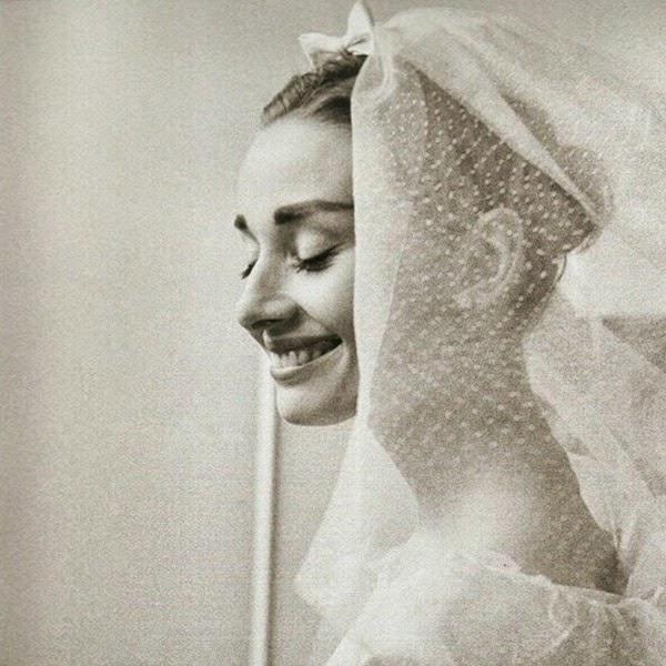 KitchyKitchen // Audrey Hepburn Wedding Day