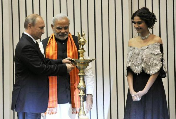 "PM Narendra Modi, Vladimir Putin and Sonam inaugurate ""World Diamond Conference"""