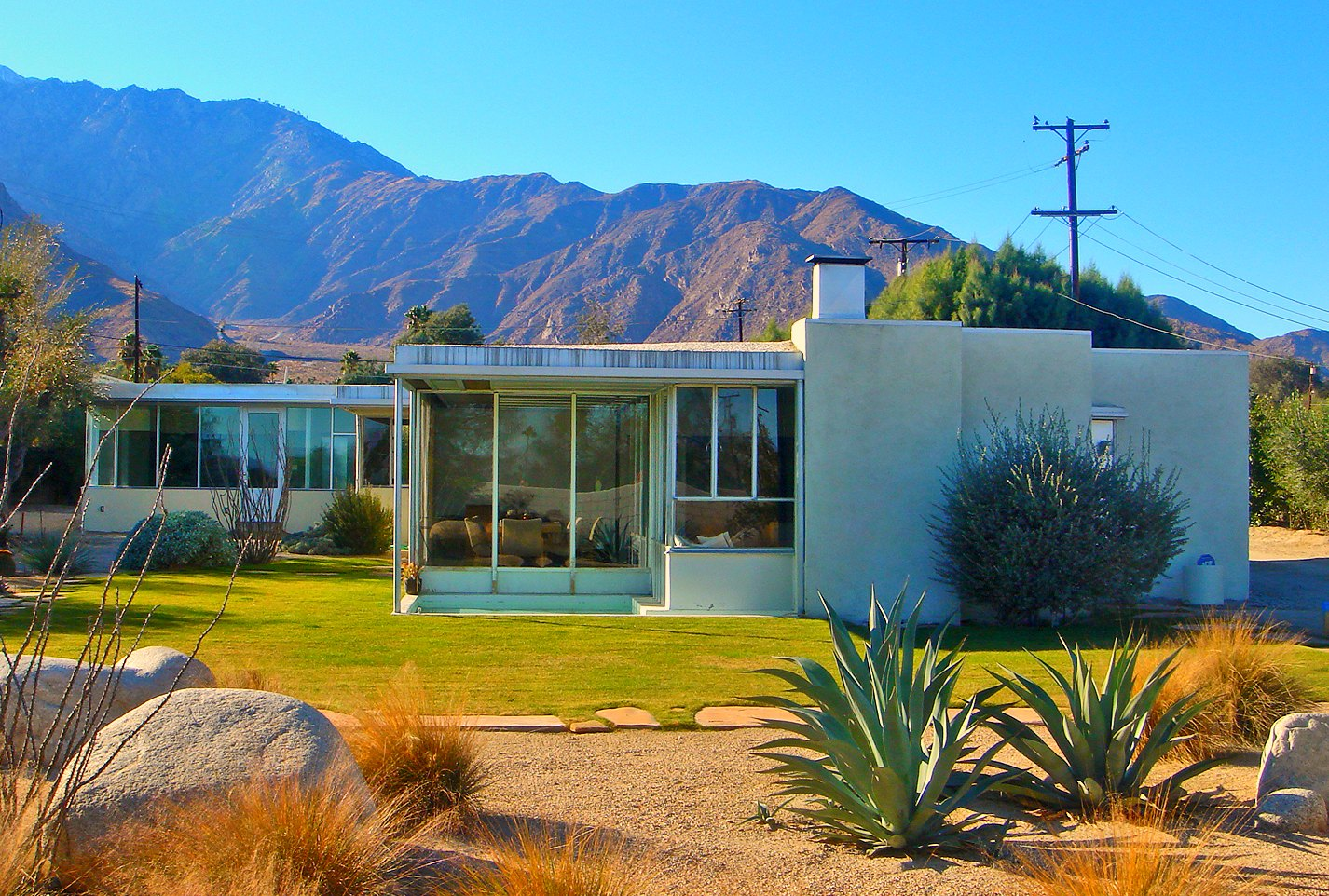 white floors  some shining examples of mid century modern homes in america