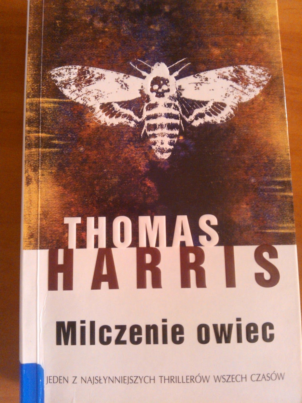 """Owce w tytule, ćma na okładce, zbrodnie w tle, czyli """"Milczenie owiec"""", T. Harris"""