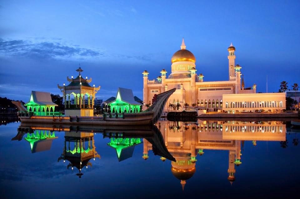 Sultan Omar Ali Saifuddin Mosque- Brunei