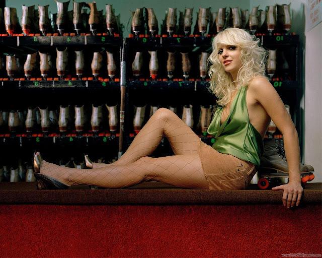 Hollywood Actress Anna Faris Wallpaper