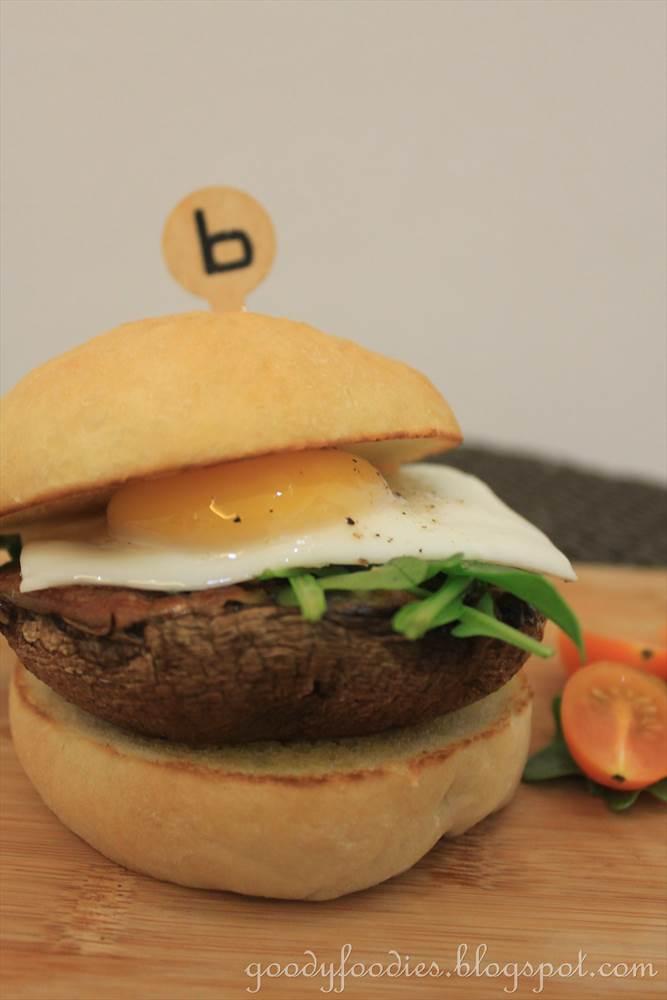 GoodyFoodies: Recipe: Veggie Burger (Grilled Portobello ...