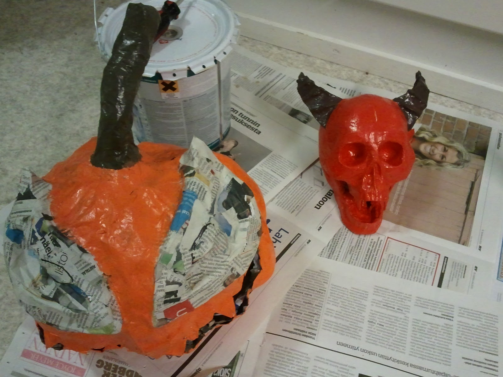 Riittalicious halloween paper mache bones 2012 for Finishing paper mache