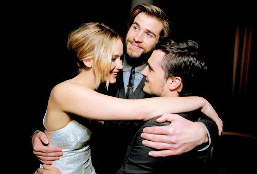 VIDEO: Jennifer Lawrence, Josh Hutcherson, Liam Hemsworth, & More Talk About Set Shenanigans