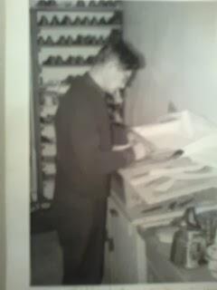 Isäni työnsä ääressä v.1965