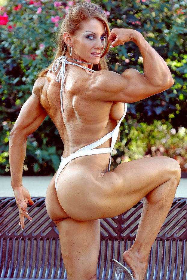 nude woman body builder