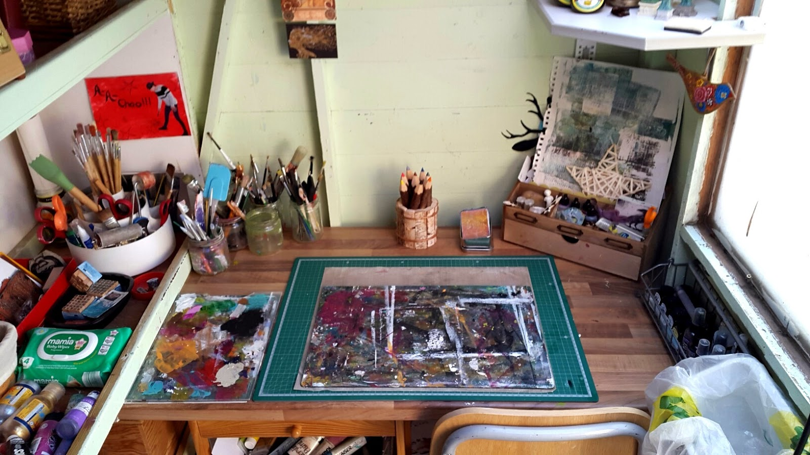 Whoopidooings: What's On Your Workdesk Wednesday - WOYWW