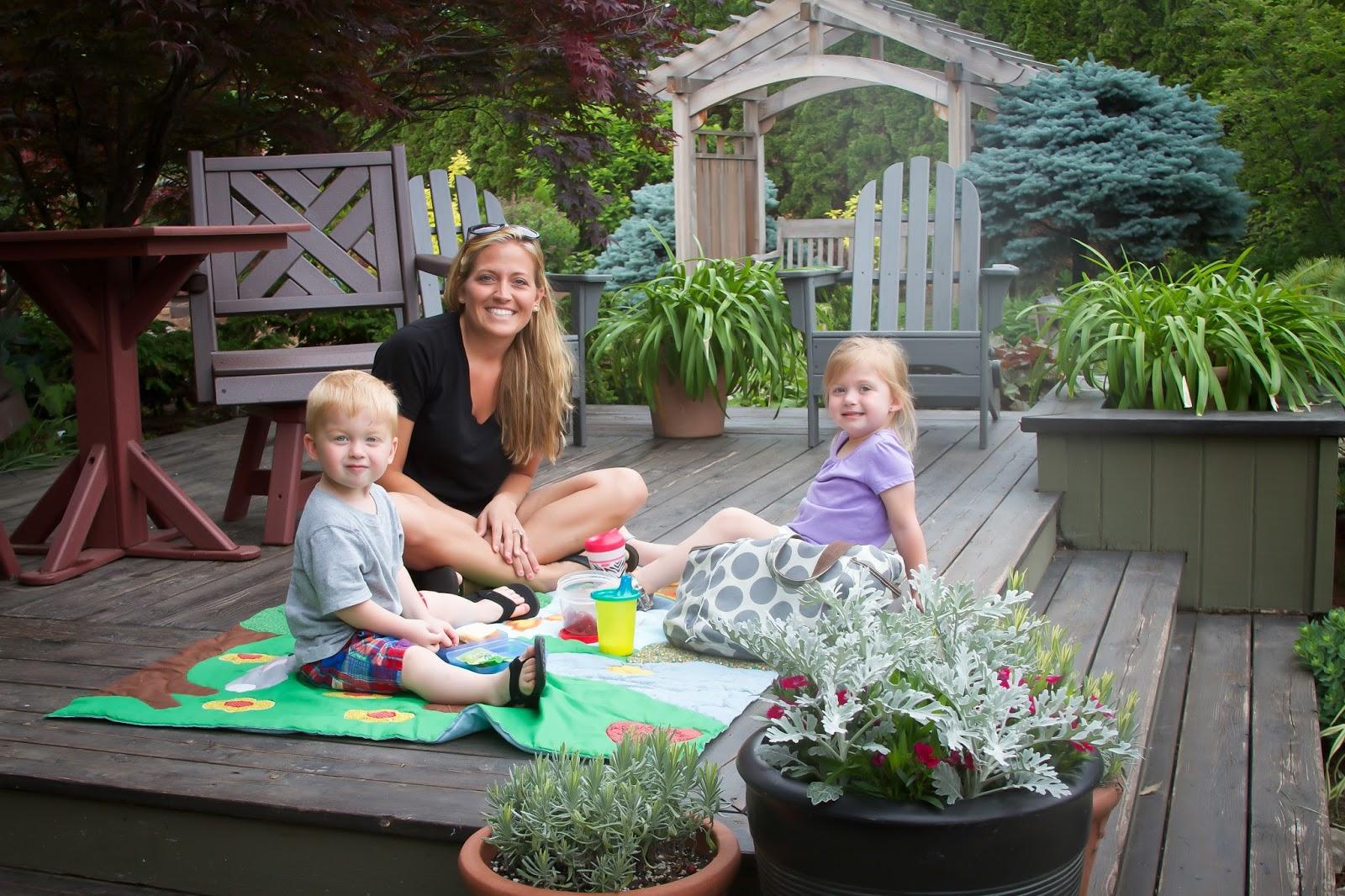 Murdocks mama better homes garden test garden picnic for Better homes and gardens test garden