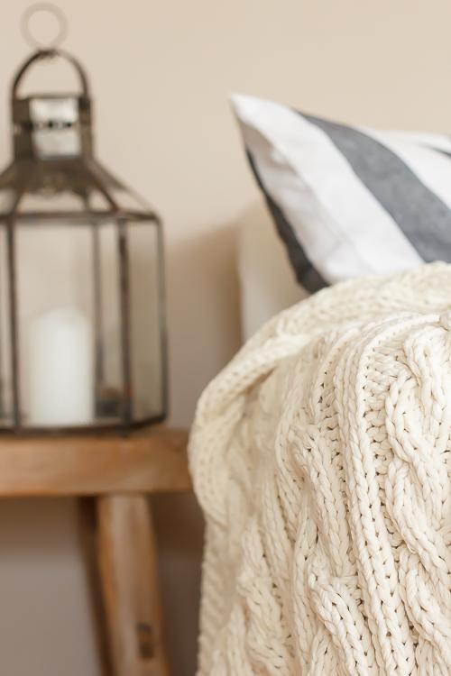 Amalie loves Denmark - Anleitung für die Strickdecke aus Baumwolle mit Zopfmuster