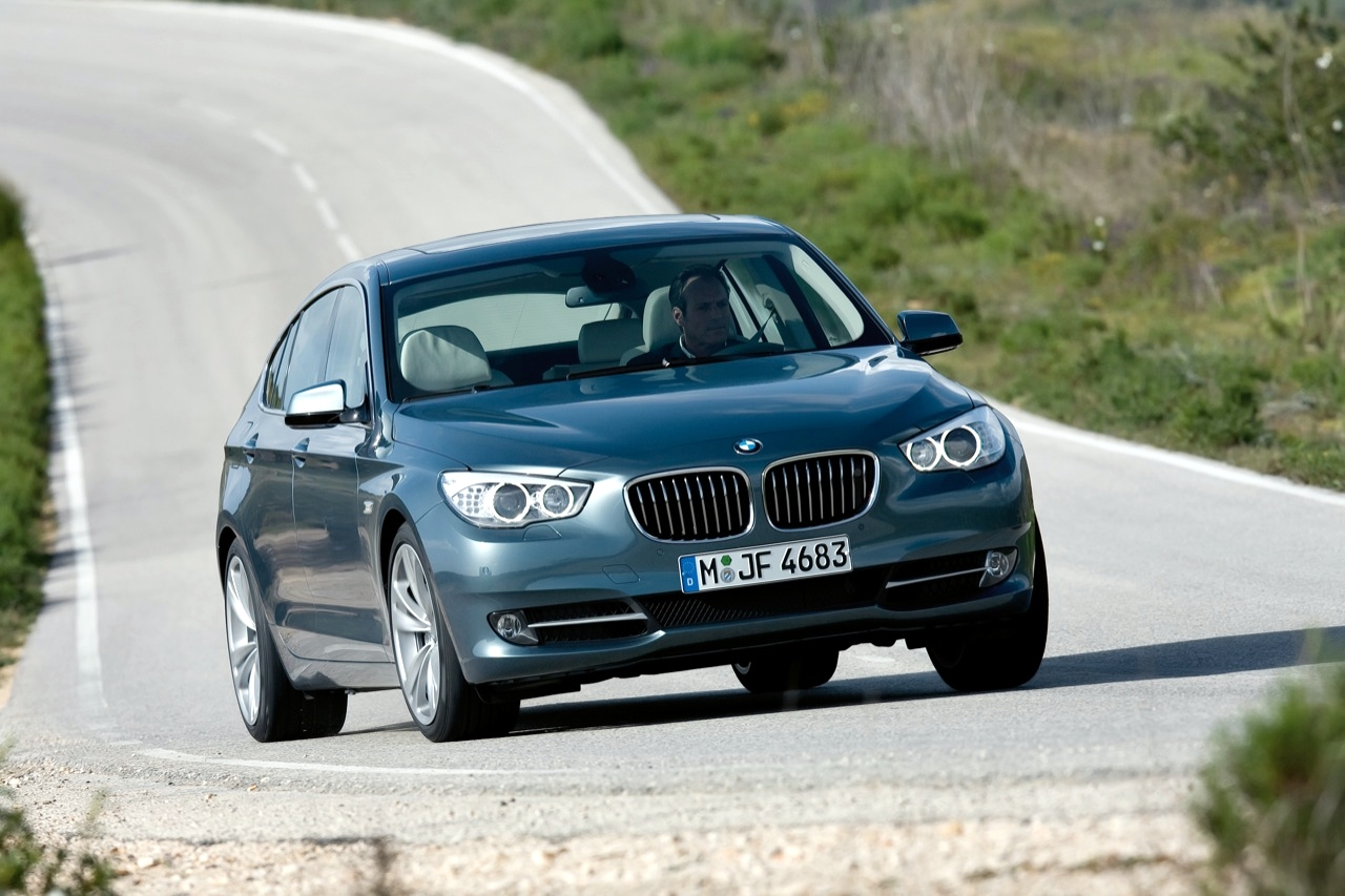 top speed latest cars 2010 bmw 5 series review. Black Bedroom Furniture Sets. Home Design Ideas