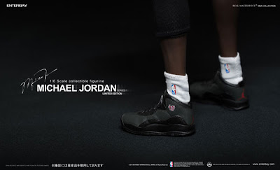 Enterbay 1/6 Scale Michael Jordan Figure