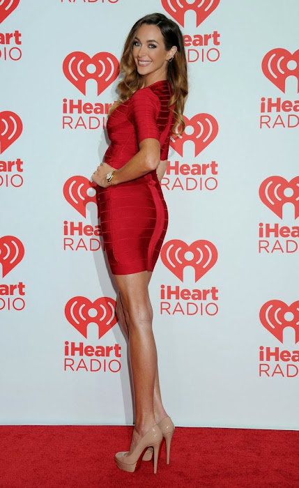 courtney bingham at iheartradio music festival actress pics