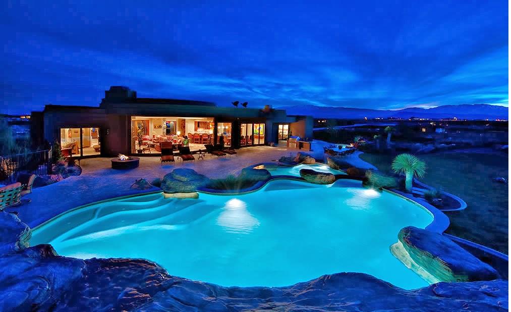 Decoraci n y afinidades casas modernas con piscina for Casas modernas com piscina
