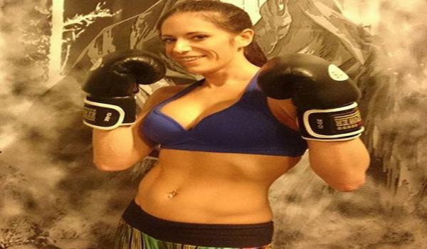 Wanita ini Diusir dari Cafe karena Memakai Seragam Gym