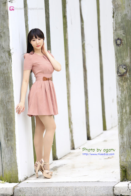 4 Yeon Da Bin in Beige Dress  - very cute asian girl - girlcute4u.blogspot.com