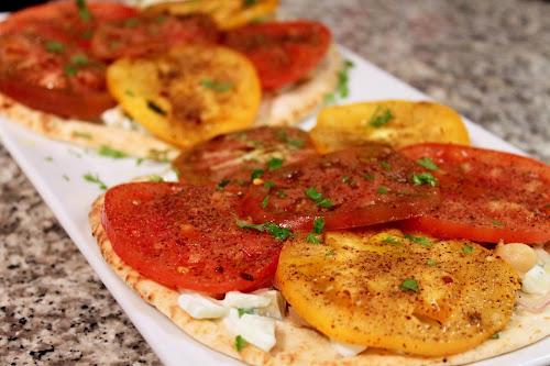 Flatbread with Tomatoes, Chickpeas and Yogurt Sauce