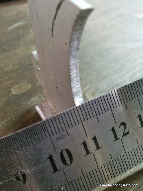 Espesor de la chapa de aluminio cortada. Enredandonogaraxe.com
