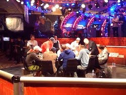 2011 WSOP Main Event, Day 7 (secondary feature table)