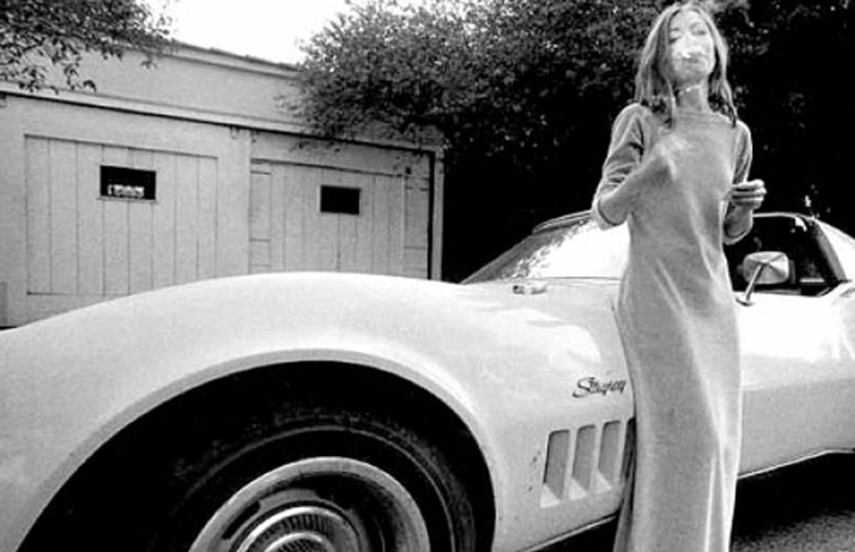 joan didion essay holy water Complete summary of joan didion's the white album enotes plot summaries cover all the significant action of the white album the white album comprises mainly essays previously published in some form in various magazines holy water (1977).