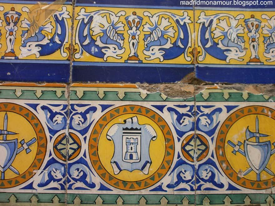 Madrid mon amour los azulejos de la calle de los cabestreros for Azulejos de los