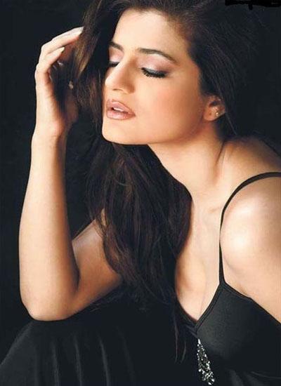 Amisha Patel Hot in Photoshoot