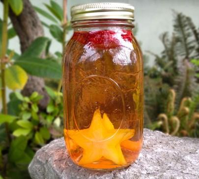 Resep infused water dengan bahan strawberry dan belimbing