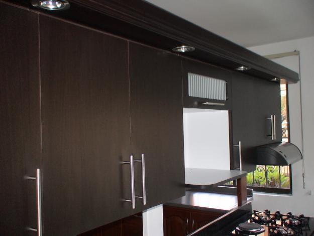 Secado de la madera cocina en madecor rh for Cocinas medellin