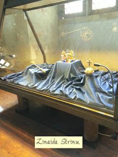 coroana-boemiei-sceptrul-si-globul