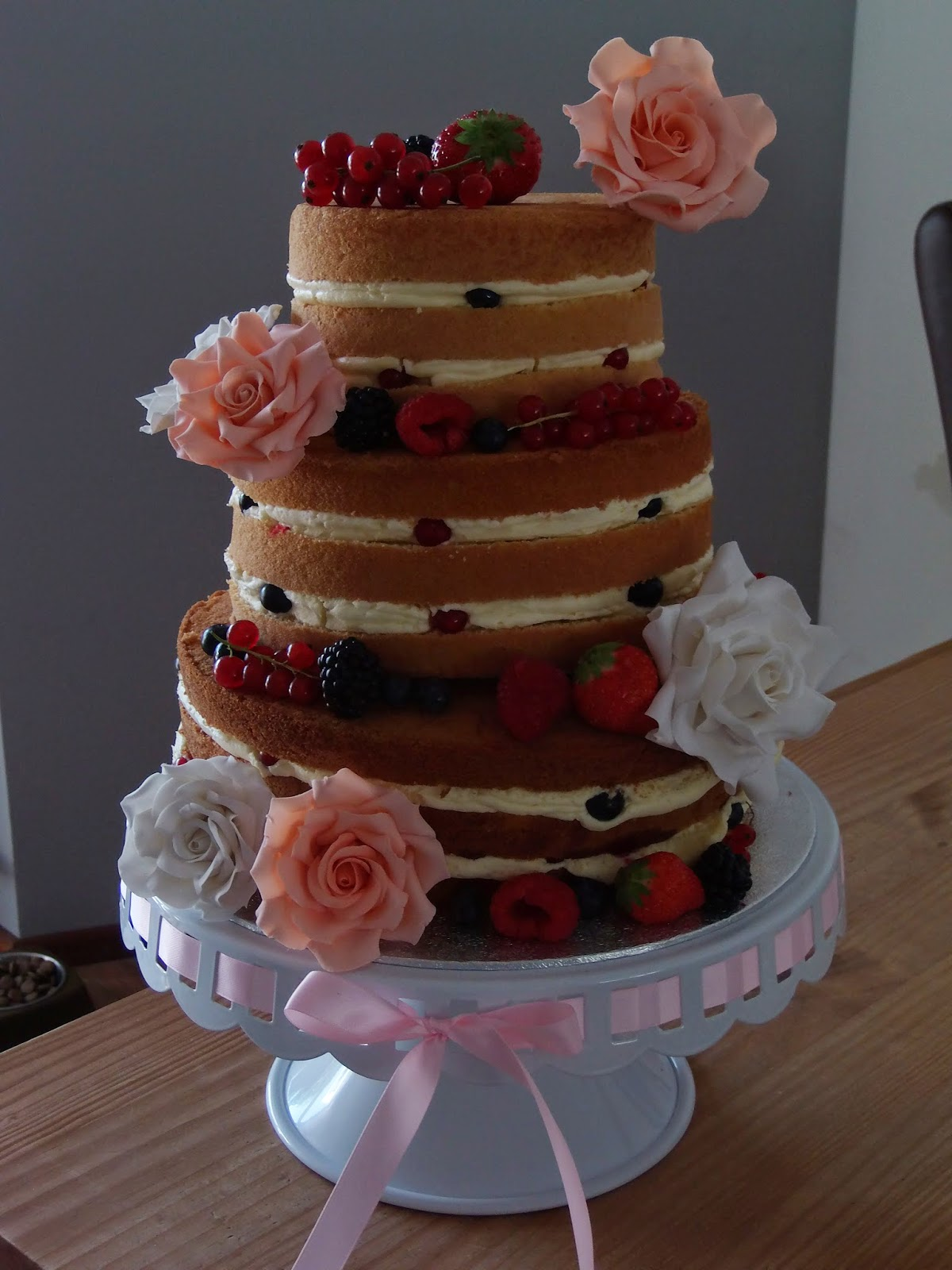 Kale bruidstaart.. Nude cake (Pagina 1) - Bruids- en