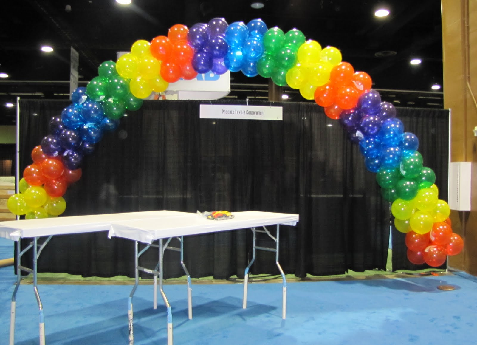 Party people event decorating company balloon arch for Balloon decoration companies