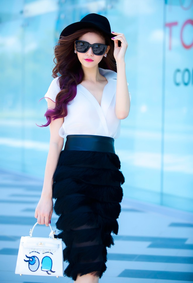 Truong Quynh Anh Photos