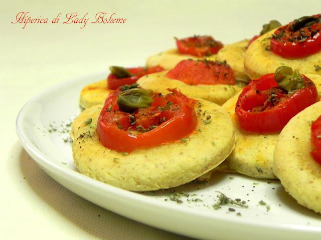 hiperica_lady_boheme_blog_di_cucina_ricette_gustose_facili_veloci_focaccine_morbide_al_pomodoro_4